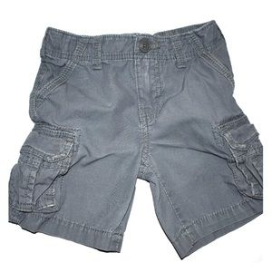 Boys gray cargo shorts size 3T